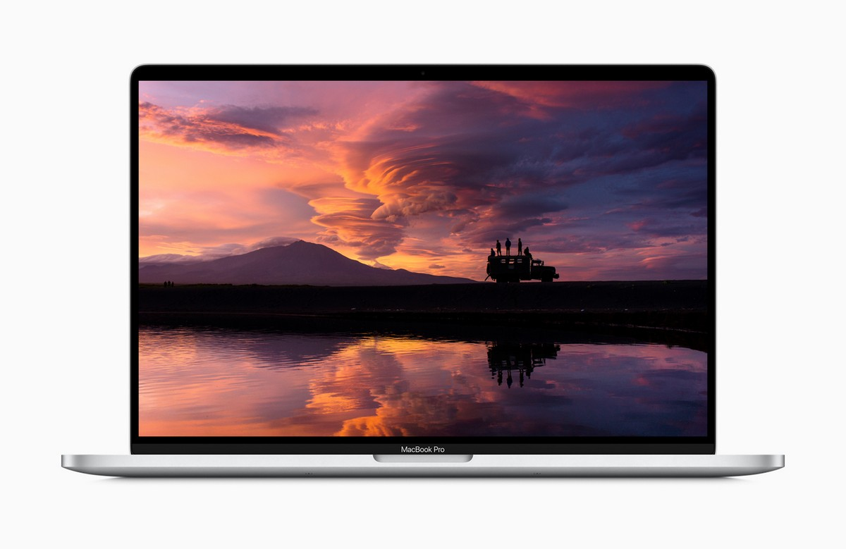 SD Card Slot, Older Ports Will Probably Never Return To The MacBook Pro |  Ubergizmo