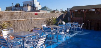 terraço Party hostel divertido barcelona