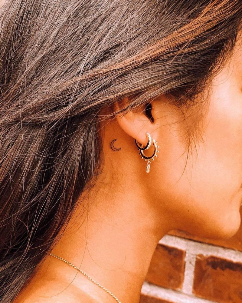 Moon Tattoo Behind Ear : tattoo, behind, Crescent, Tattoo, Right