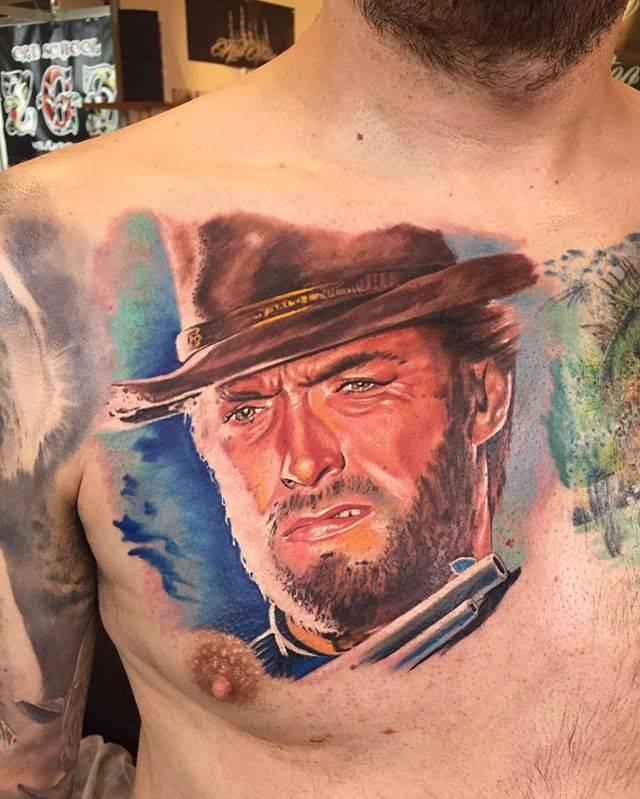 Tatuaje Del Retrato Del Hombre Sin Nombre En El Pecho