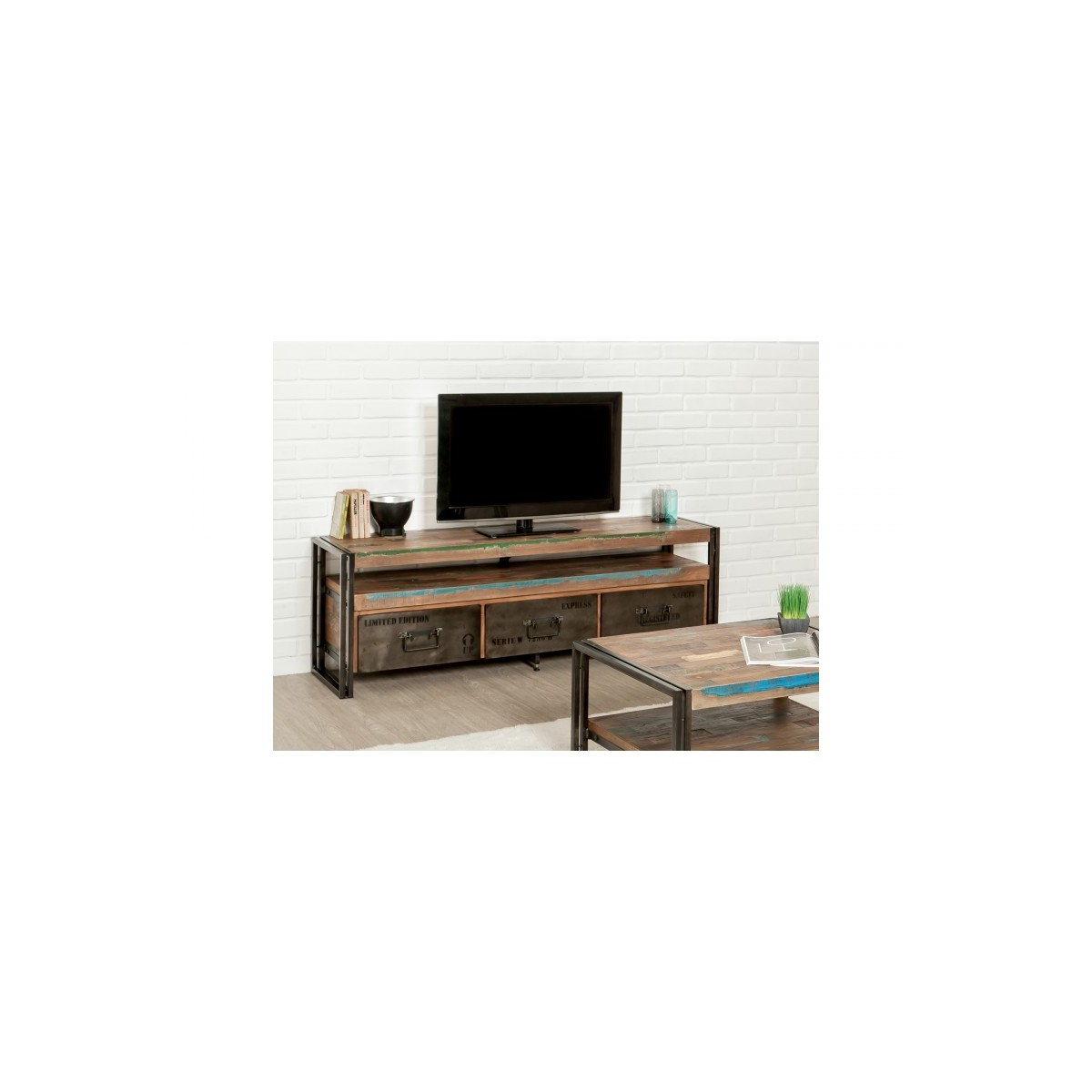 furnished 3 drawers 1 low tv niche 160