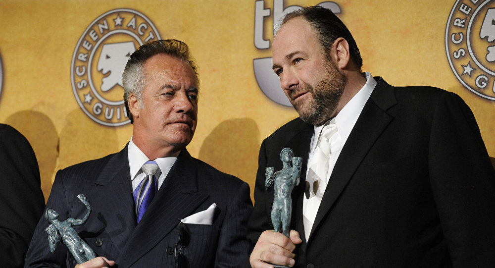 The Sopranos oyuncuları Tony Sirico ve James Gandolfini