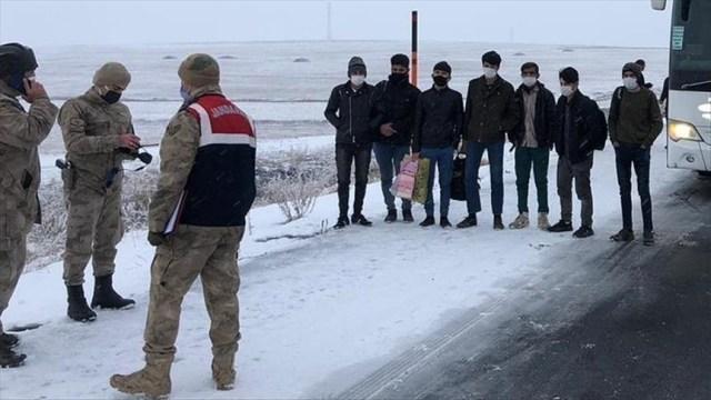 23 asylum seekers held in northwestern Turkey