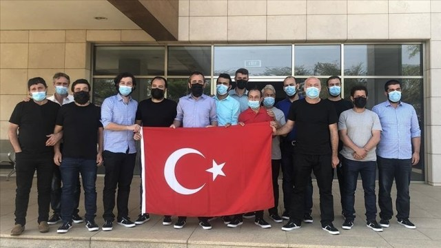 15 Turkish sailors arrive in Turkey after rescue