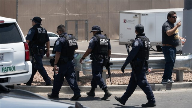 US: Texas launches manhunt after mass shooting