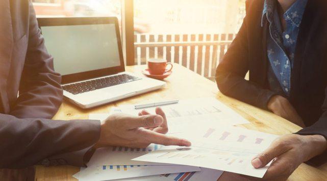 Tony Robbins - Strategy Attract Customers