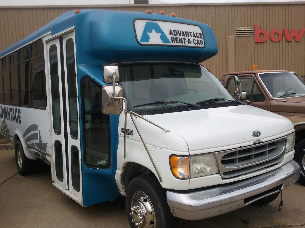 hight resolution of 2000 ford e 450 superduty bus in south hutchinson kansas photo 1