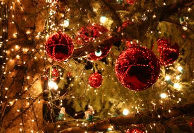 Guirlandes et boules de Noël