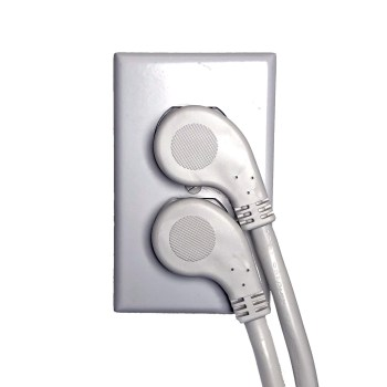 two flat plug usable in same outlet