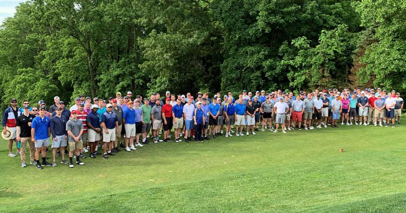 Alumni golfers