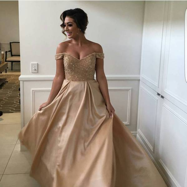 Sexy Shoulder Sequins And Beaded Sweetheart Long