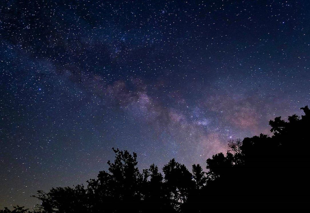 photo of a starry night sky