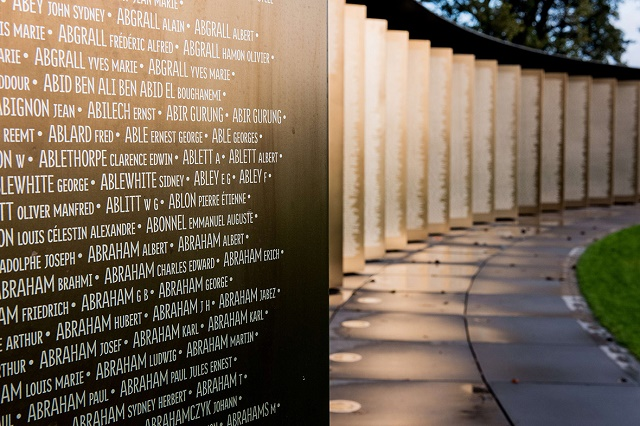 The names of 600,000 soldiers are engraved in alphabetical order at the The Ring of Memory international memorial, in Notre Dame de Lorette, France. (Credits: AFP)
