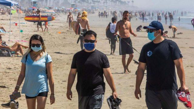 Premierul Cîțu: fără mască pe plajă, dar cu distanțare