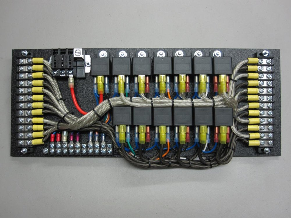 medium resolution of custom 12v fuse box wiring diagram forward custom 12v fuse box