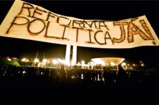 Ana Luiza Viana traz reflexões sobre reforma política brasileira