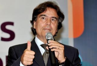 Vacinas, uma questão de ordem mundial – uma entrevista com José Gomes Temporão sobre covid-19