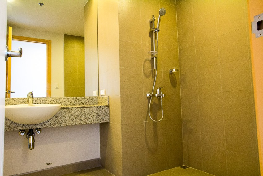 SRB89 3 Bedroom Condo for Sale in Cebu Business Park 1016 Reside