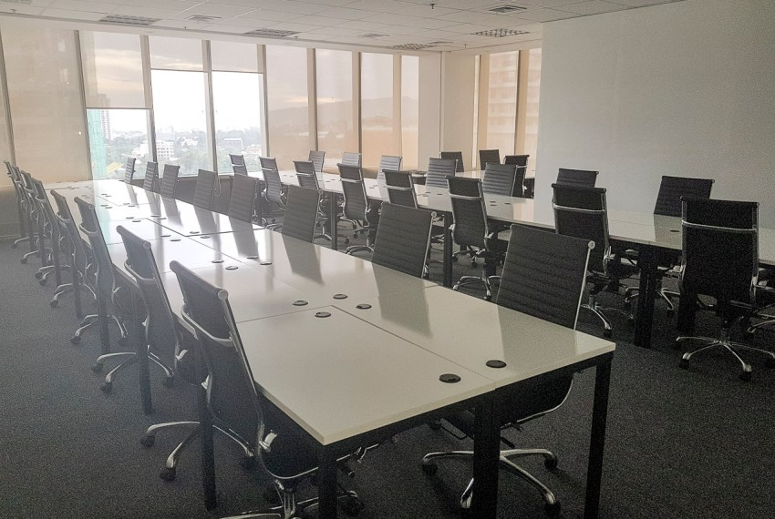 RCP146B 74 SqM Fully Fitted Office for Rent in Cebu IT Park Park Centrale Building Cebu Grand Realty (1)