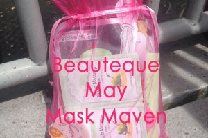 Beauteque May Mask Maven Bag