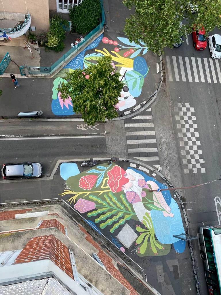 Peinture de 300m2 réalisée par l'artiste Cécilio à Paris dans le 18e arrondissement avec Hypermur. Vue depuis l'appartement voisin.