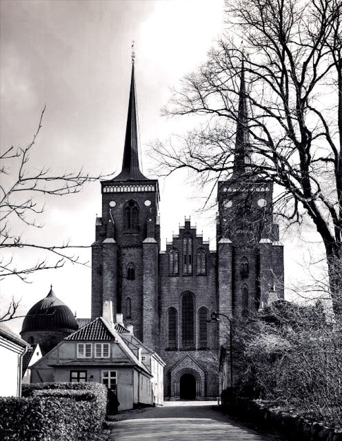 roskilde cathedral_1.jpg