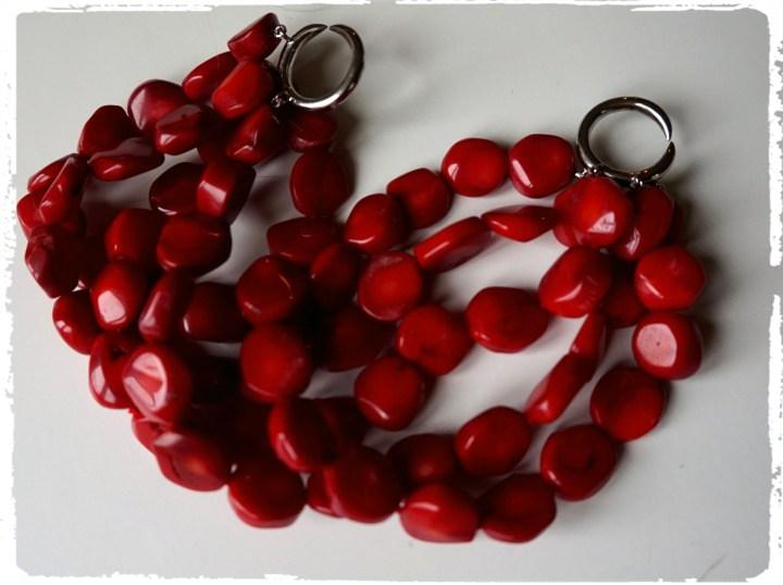rött armband.jpg