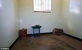 Nelson_Mandela's_prison_cell,_Robben_Island,_South_Africa 3
