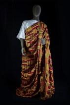 "Robert Yebuah, tradicionalno moško oblačilo ""kente"". Foto: Aleš Verbič."