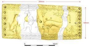 3D model in rekonstrukcija pasne spone z Molnika, narejene na način t. i. situlske umetnosti. Projekt ENTRANS, foto Oddelek za arheologijo FF UL.