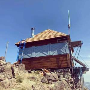 The fire lookout at Mule Peak with a new Western Red Cedar shake roof