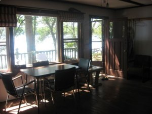 Simple Serenity cottage dining area