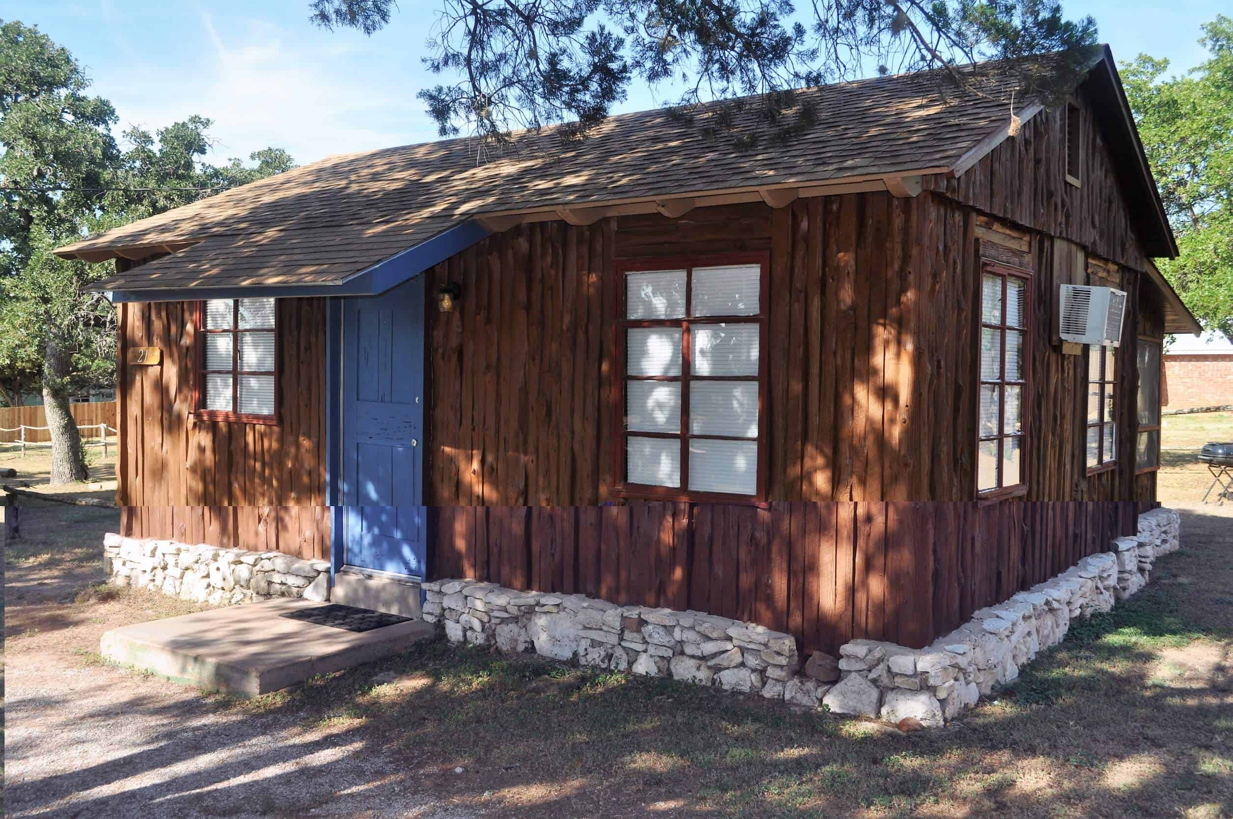 4 PERSON CABINS for rentLake BuchananHill CountryCedar
