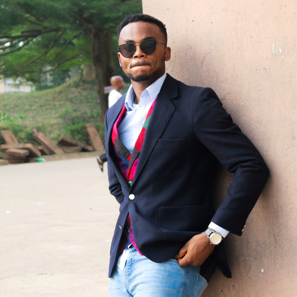 how to style a multicolour ankara waist coat