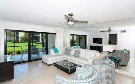 D 106 completely renovated luxury condo rental