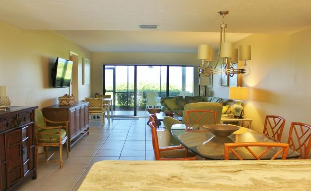 d-102-living-room longboat key featured vacation rental