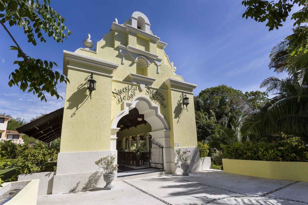Grand-Palladium-Vallarta-Resort-Spa-Iglesia