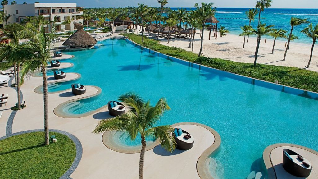 SEARM_EXT_Oceanfront_Pool_1A