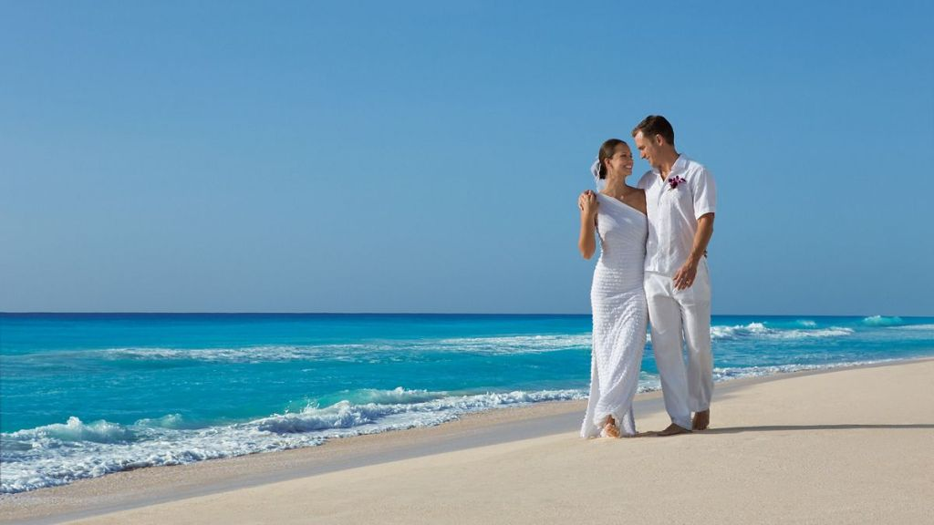SEVCU_BrideGroom_Beach2_1A