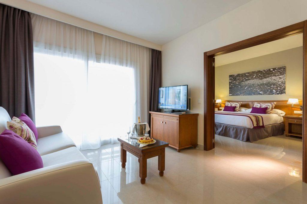 grand-palladium-palace-ibiza-resort-master-suite11