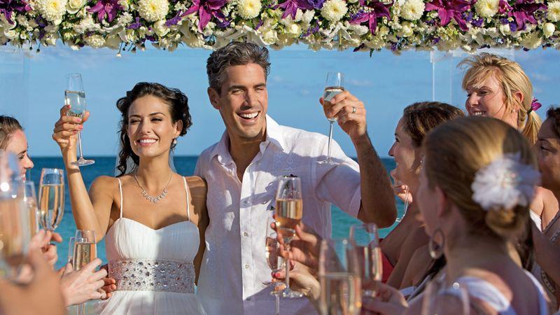 DREAMS_Wedding_Toast1_3