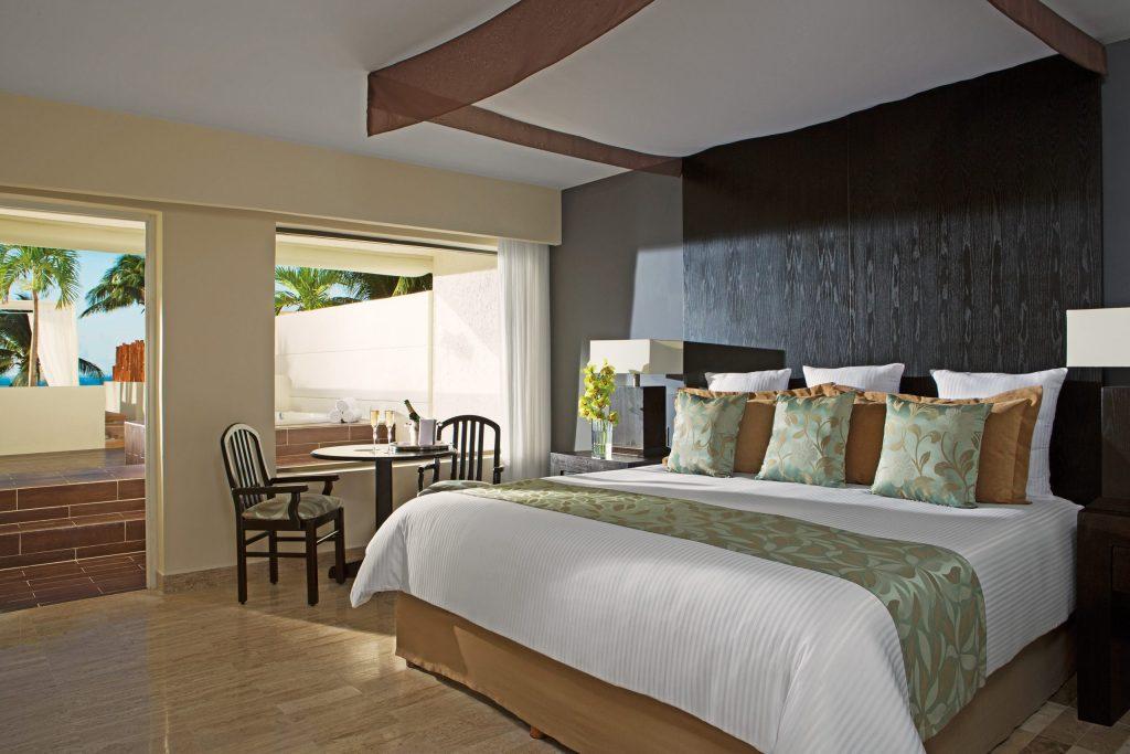 DRESC_PC_HMSOF_Bedroom_1A