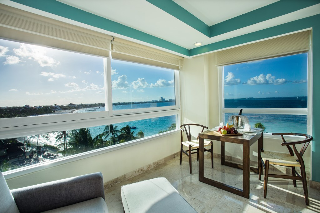 Preferred-Club-Corner-Suite-Ocean-Front-view