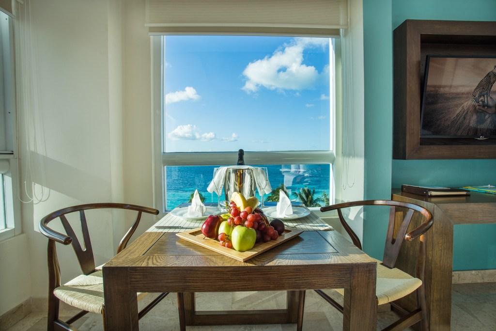 Preferred-Club-Corner-Suite-package-amenities
