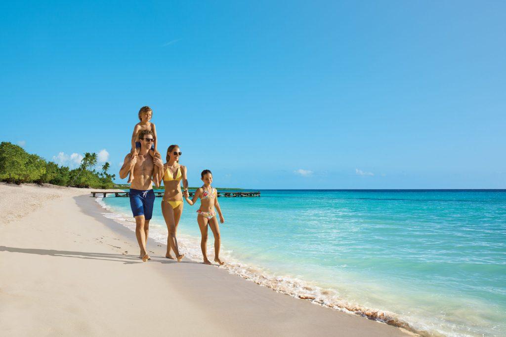 DREDL_Family_Beach_1A