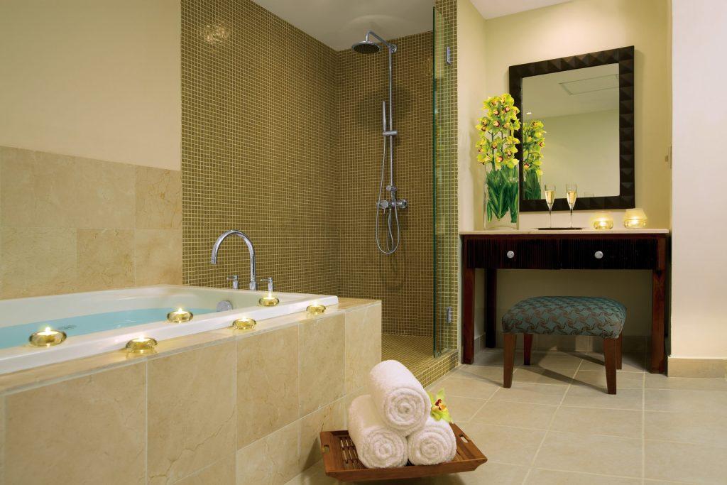 DREPB_Master_Suitebathroom1