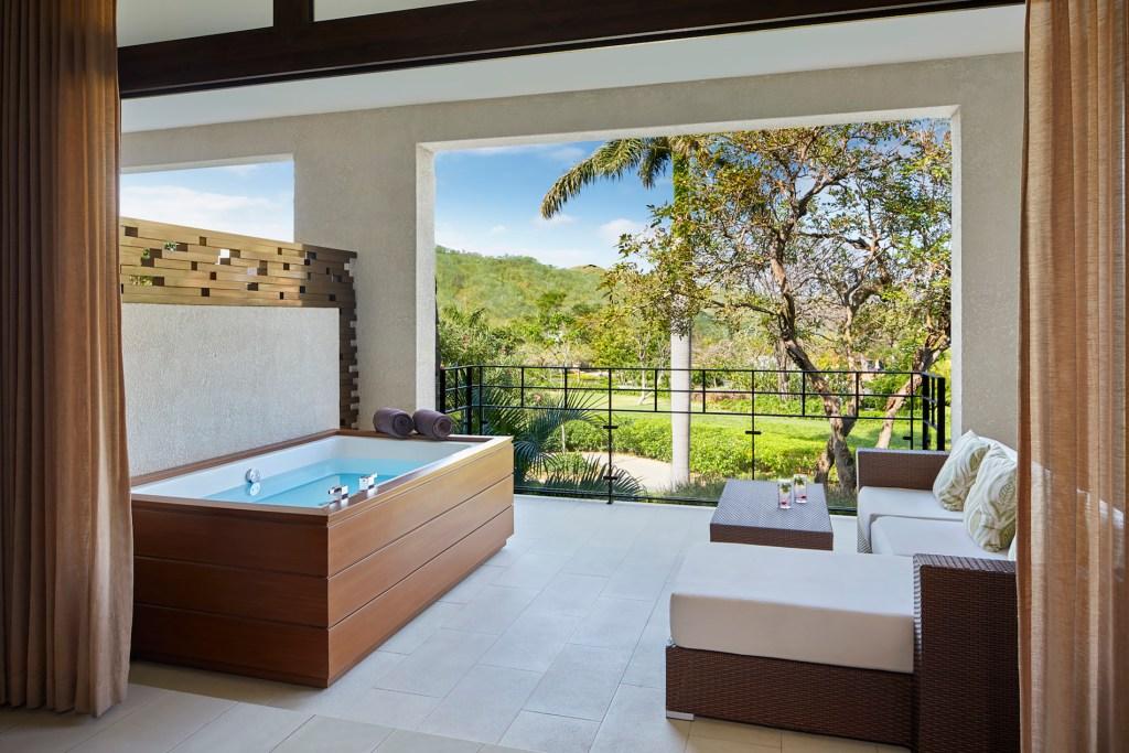 Preferred_Club_Junior_Suite_Tropical_View_terrace