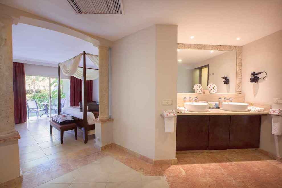 Elegance-Club-One-Bedroom-Suite-wc