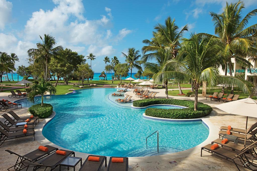 Hilton-La-Romana-Family-Resort-Premium-Pool
