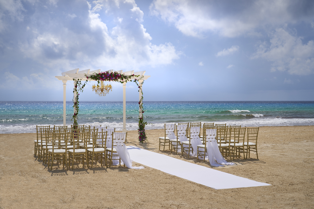 Hyatt-Zilara-Cancun-Beach-Wedding (2)